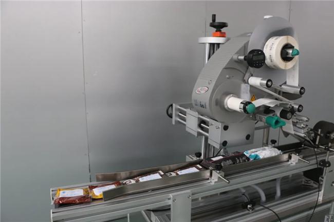 Etiqueta automática de la superficie superior de la taza del cartón de la caja de Doypack