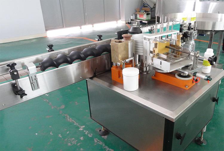 Máquina de etiquetado de etiquetas de papel de pegamento húmedo completamente automática para productos de alcohol